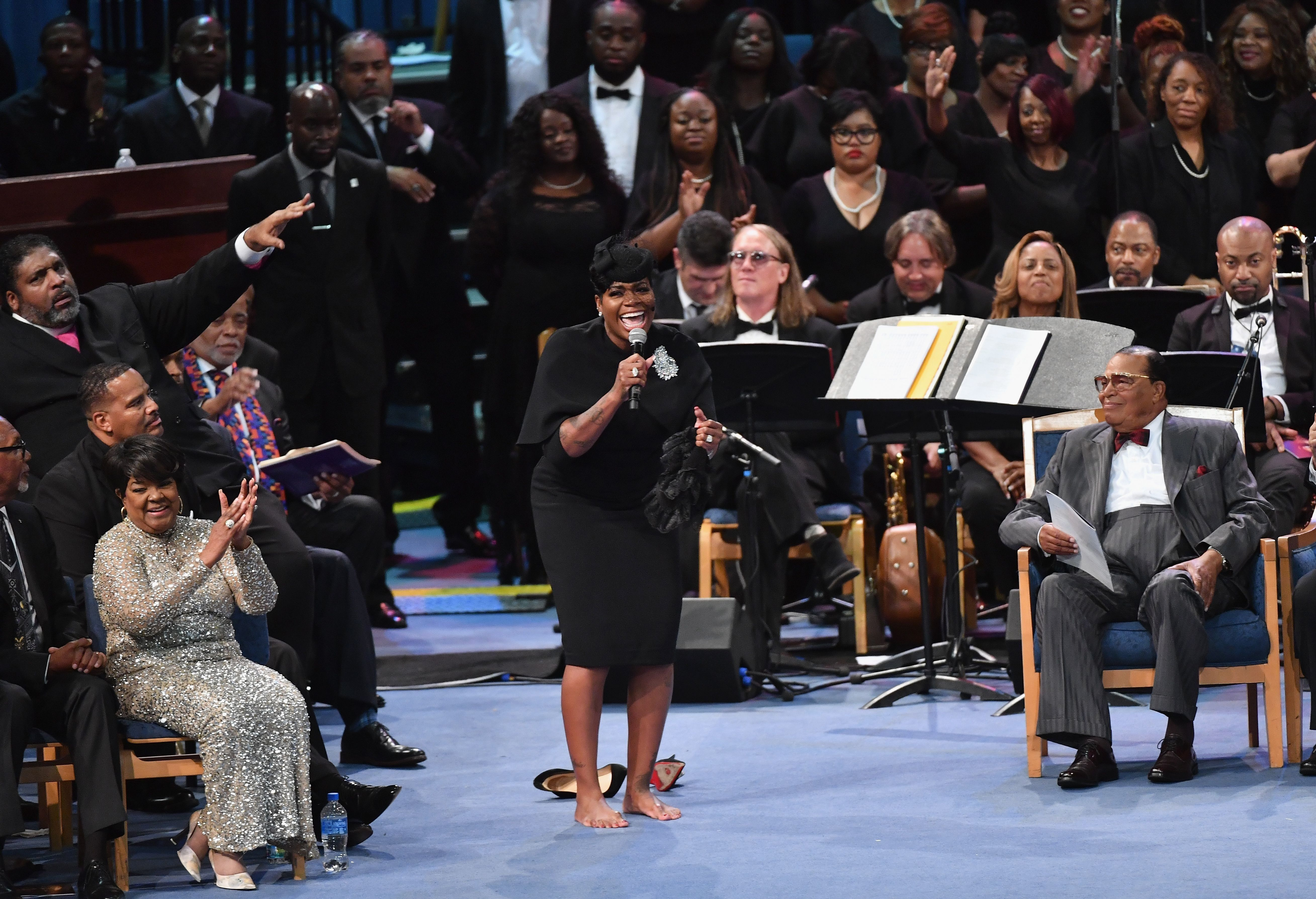 A Barefoot Fantasia Barrino Sings Soulful Tribute At Aretha Franklin's Funeral