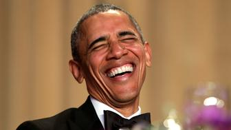 U.S. President Barack Obama laughs at the White House Correspondents' Association annual dinner in Washington, U.S., April 30, 2016. REUTERS/Yuri Gripas      TPX IMAGES OF THE DAY