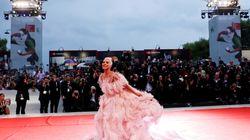 «A Star Is Born»: Η Lady Gaga στο κόκκινο χαλί του Φεστιβάλ