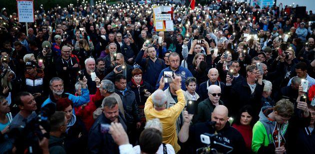Γερμανία: Κλιμακώνονται οι κινητοποιήσεις στο Κέμνιτς. Χιλιάδες διαδηλωτές στους