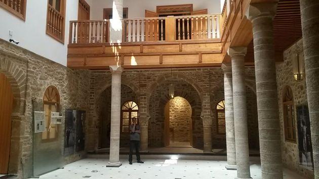 Le centre Bayt Al Dakira, dont la rénovation est bientôt achevée, au centre de la...