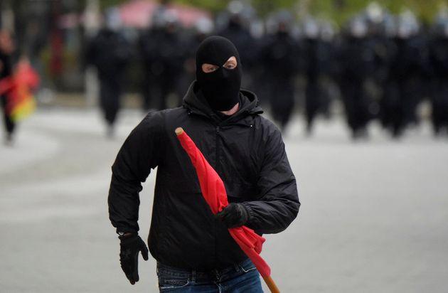 Κέμνιτς: Συνεχίζονται τα επεισόδια μεταξύ ακροδεξιών και αριστερών