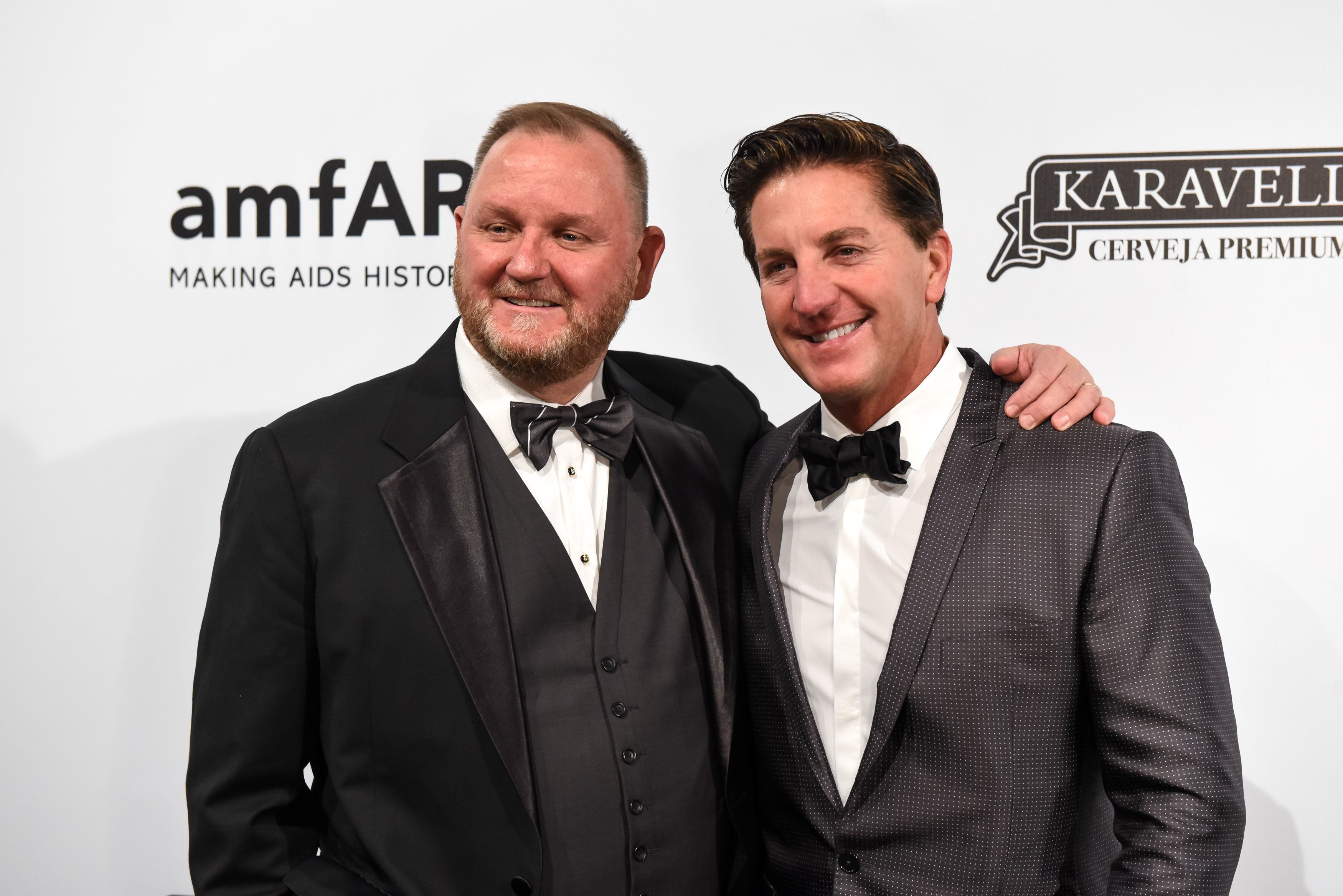SAO PAULO, BRAZIL - APRIL 13: (L-R)Kevin Robert Frost and Gary Tigges attend the 2018 amfAR gala Sao Paulo at the home of Dinho Diniz on April 13, 2018 in Sao Paulo, Brazil. (Photo by Gabriel Cappelletti/Getty Images for amfAR)