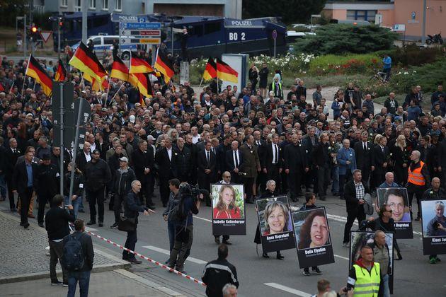 Επεισόδια και τραυματισμοί στο Κέμνιτς της Γερμανίας στις πορείες ακροδεξιών και