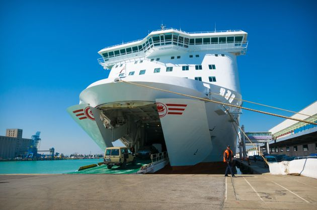 Grève sauvage à la CTN: Des dizaines de voyageurs bloqués, la Marine
