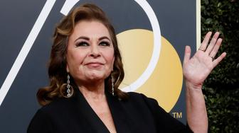Actress Roseanne Barr waves on her arrival to the 75th Golden Globe Awards in Beverly Hills, California, U.S., January 7, 2018. Picture taken January 7, 2018. REUTERS/Mario Anzuoni