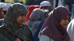 말레이시아 법원이 섹스를 시도한 여성 둘에게 채찍형을