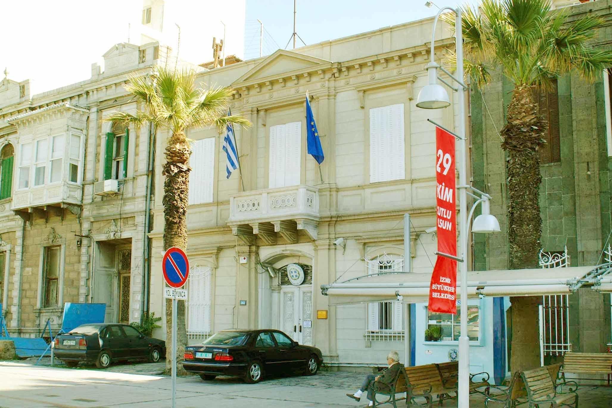 Σε ένα από τα ιστορικότερα κτήρια της Σμύρνης επιστρέφει το Γενικό Προξενείο της Ελλάδας. Στην Τουρκία...