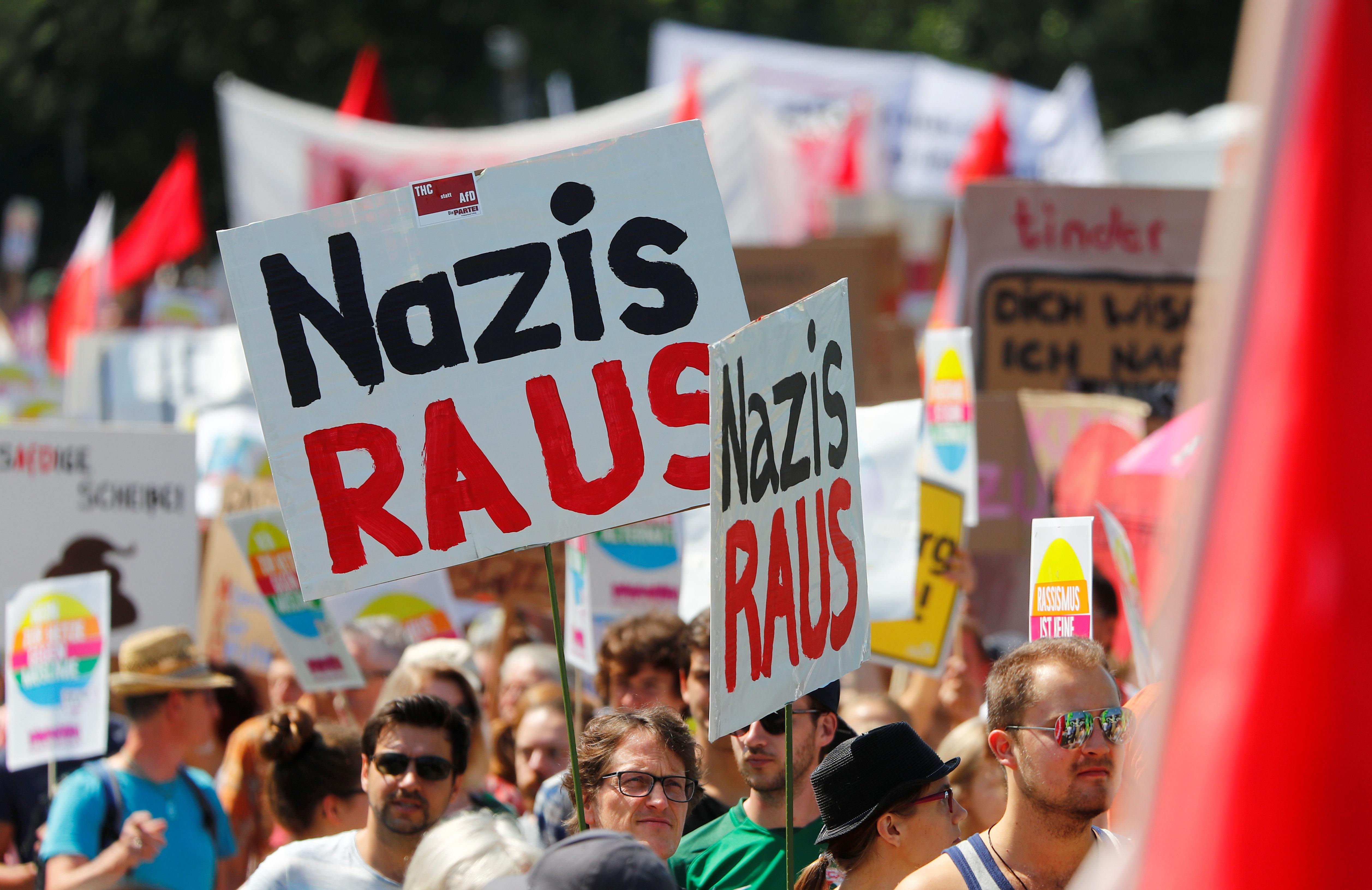 Δεύτερο κόμμα στη Γερμανία με 17% το ακροδεξιό και ξενοφοβικό AfD