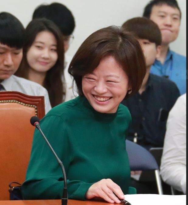 연봉 1억3천 재선 국회의원 진선미 여가부장관 후보자가 채무 13억원만 재산신고한