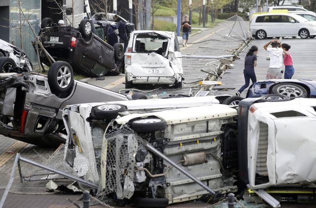 Le Japon frappé par le plus violent typhon en 25