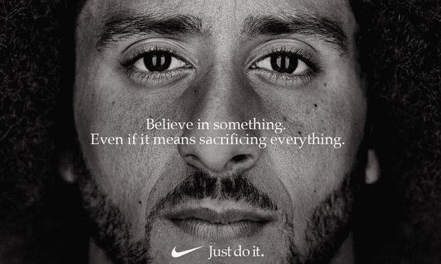 Η Nike παρουσίασε την πιο τολμηρή της διαφήμιση. Κάποιοι δεν το άντεξαν και τώρα καίνε τα παπούτσια