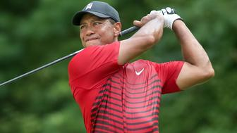 NORTON, MA - SEPTEMBER 03: Tiger Woods (USA) on the tee at 15 during the final round of the Dell Technologies Championship on September 03, 2018 at the TPC Boston in Norton, Massachusetts.  (Photo by Andrew Snook/Icon Sportswire via Getty Images)