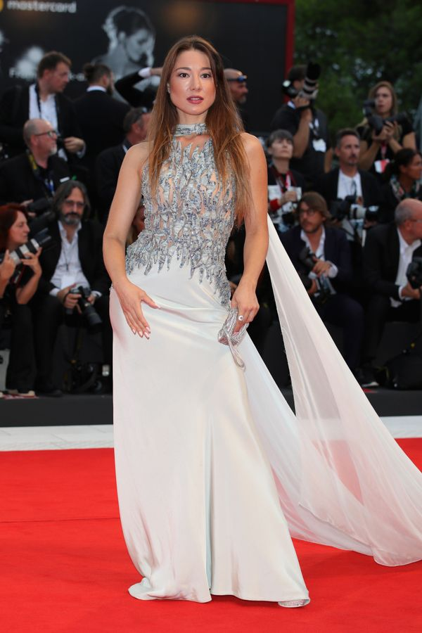 The actress wears a gown byRenato Balestra Haute Couture on the red carpet ahead of the
