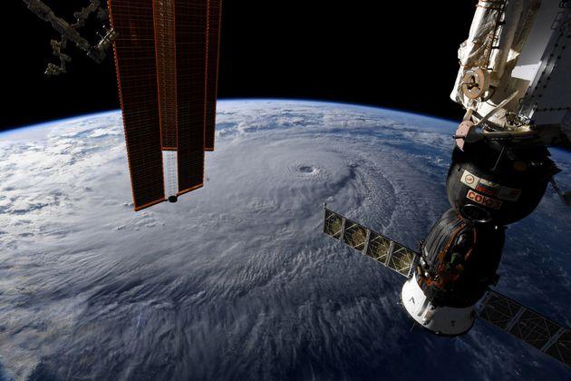 Μυστήριο με τη ζημιά στον Διεθνή Διαστημικό Σταθμό: Για πιθανό σαμποτάζ μιλούν οι