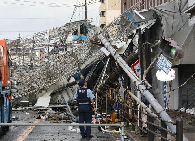 Νεκροί και εκτεταμένες ζημιές στην Ιαπωνία από το πέρασμα του τυφώνα