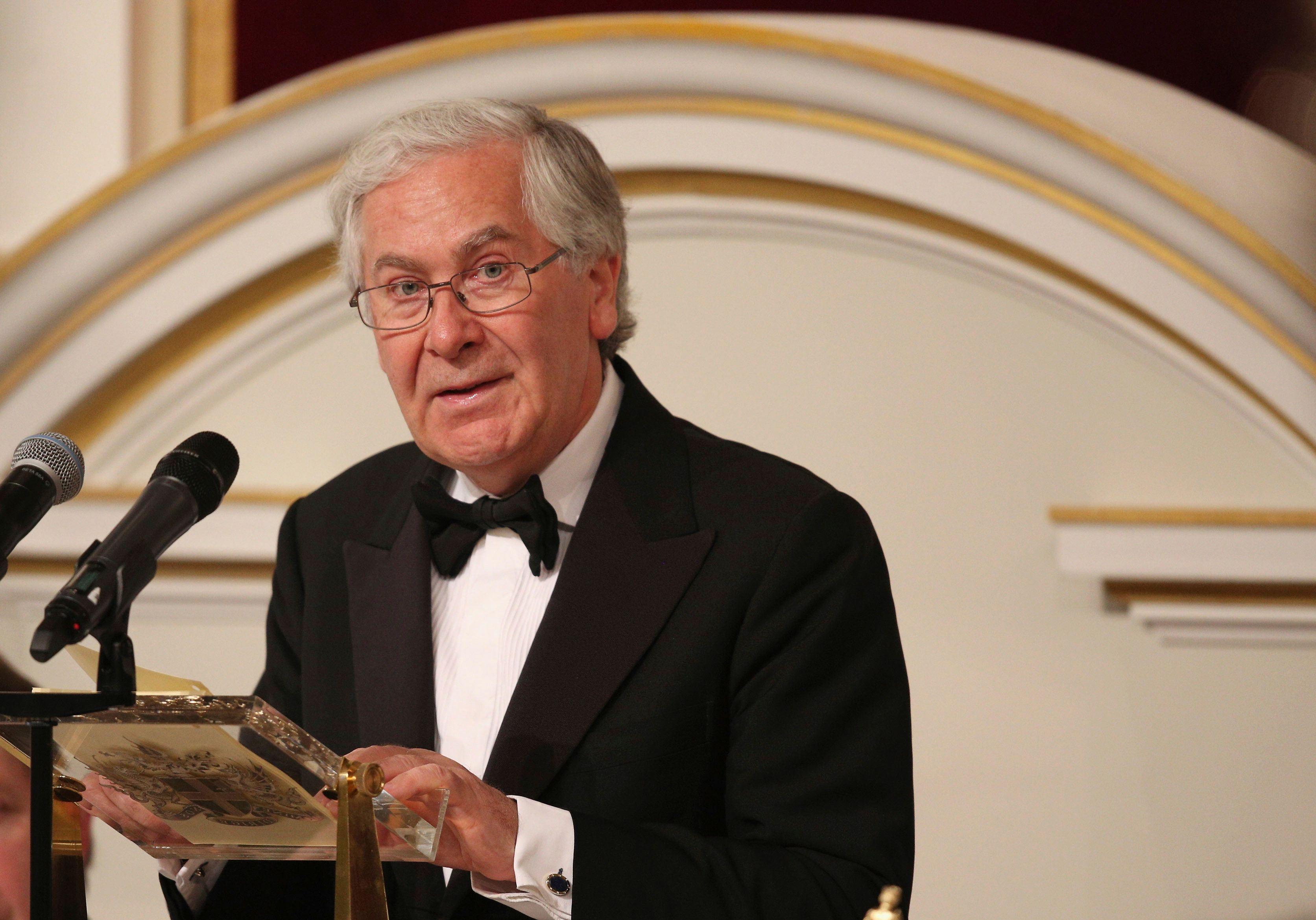 Former Bank of England governor Lord Mervyn King has attacked the government over its Brexit negotiations