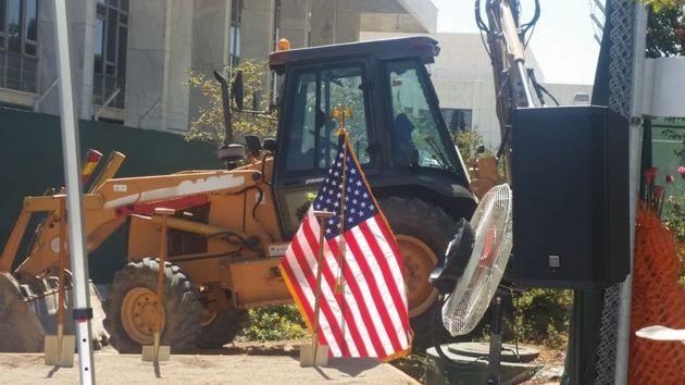 Η HuffPost στην έναρξη των εργασιών για την ανακαίνιση της αμερικανικής