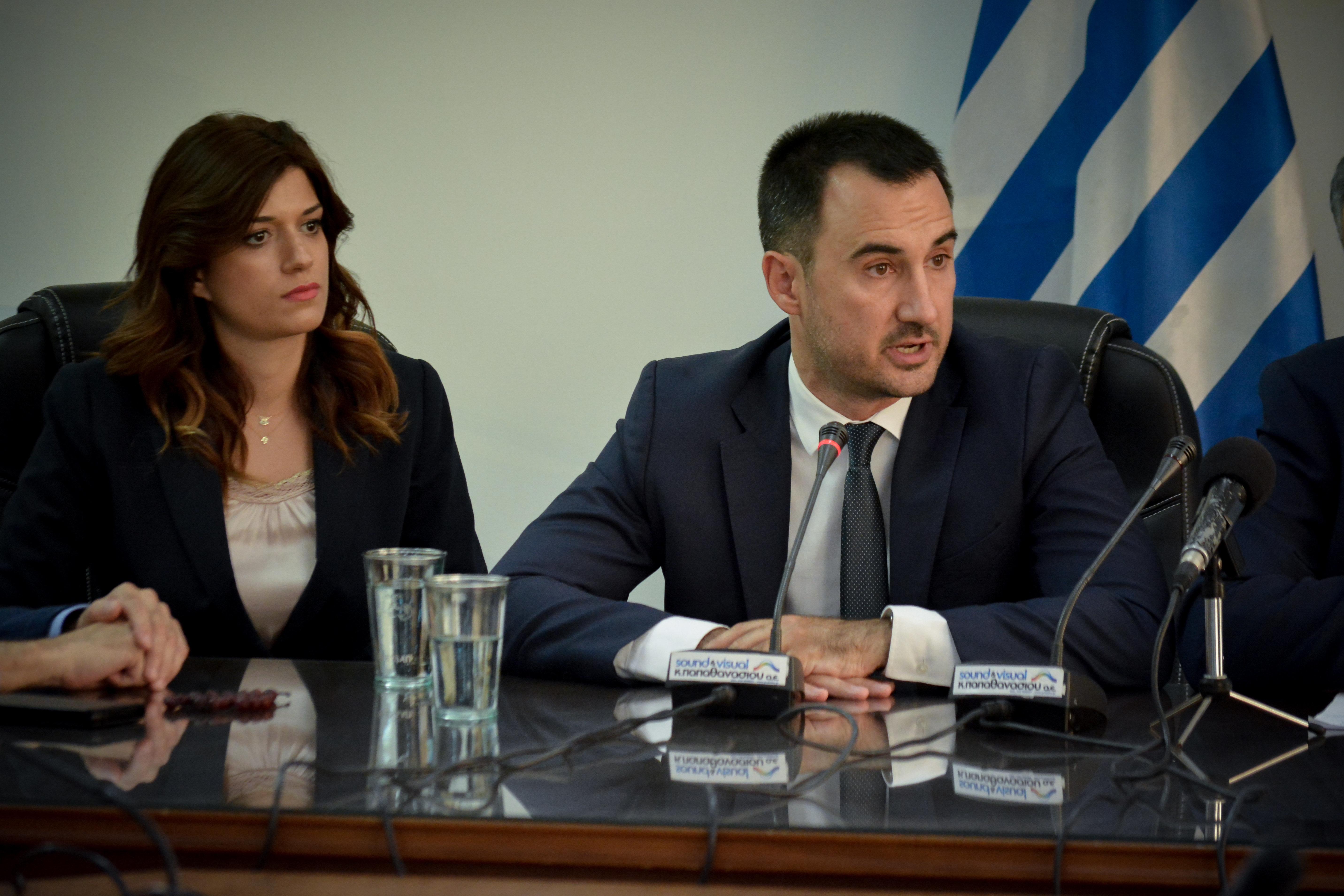 «Ασπίδα» Χαρίτση στη Νοτοπούλου -Φέρνει νομοσχέδιο για ζητήματα ισότητας