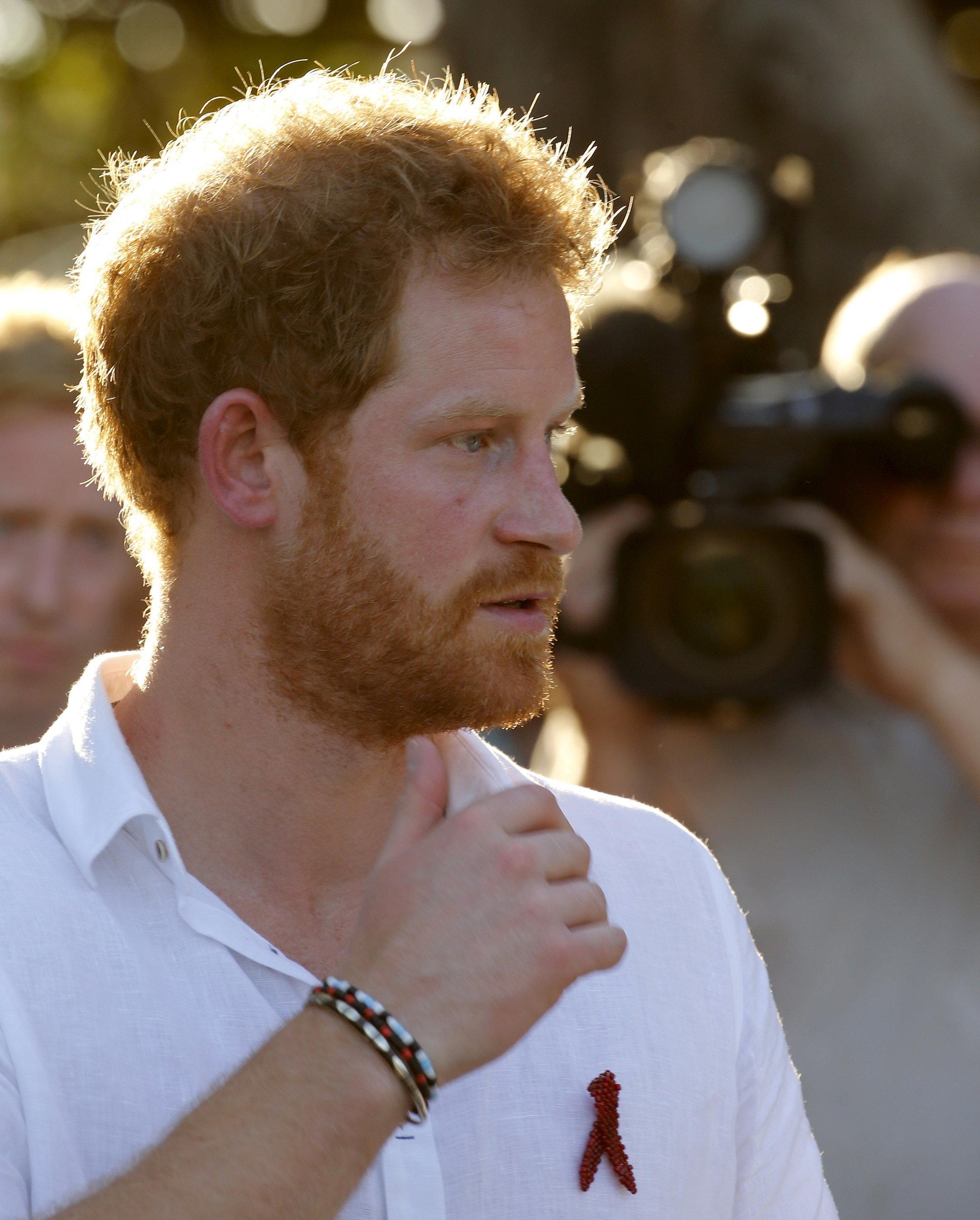Royals: Prinz Harry trägt seit 20 Jahren das selbe Armband – das steckt dahinter
