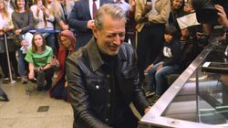 Jeff Goldblum Surprises Londoners At Train