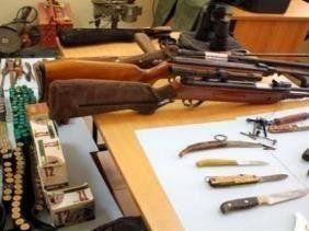 Un atelier clandestin de fabrication de fusils et de munitions découvert à