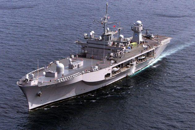 USS Mount Whitney: Η ναυαρχίδα του αμερικανικού 6ου Στόλου στη ΔΕΘ και το «μήνυμα» των