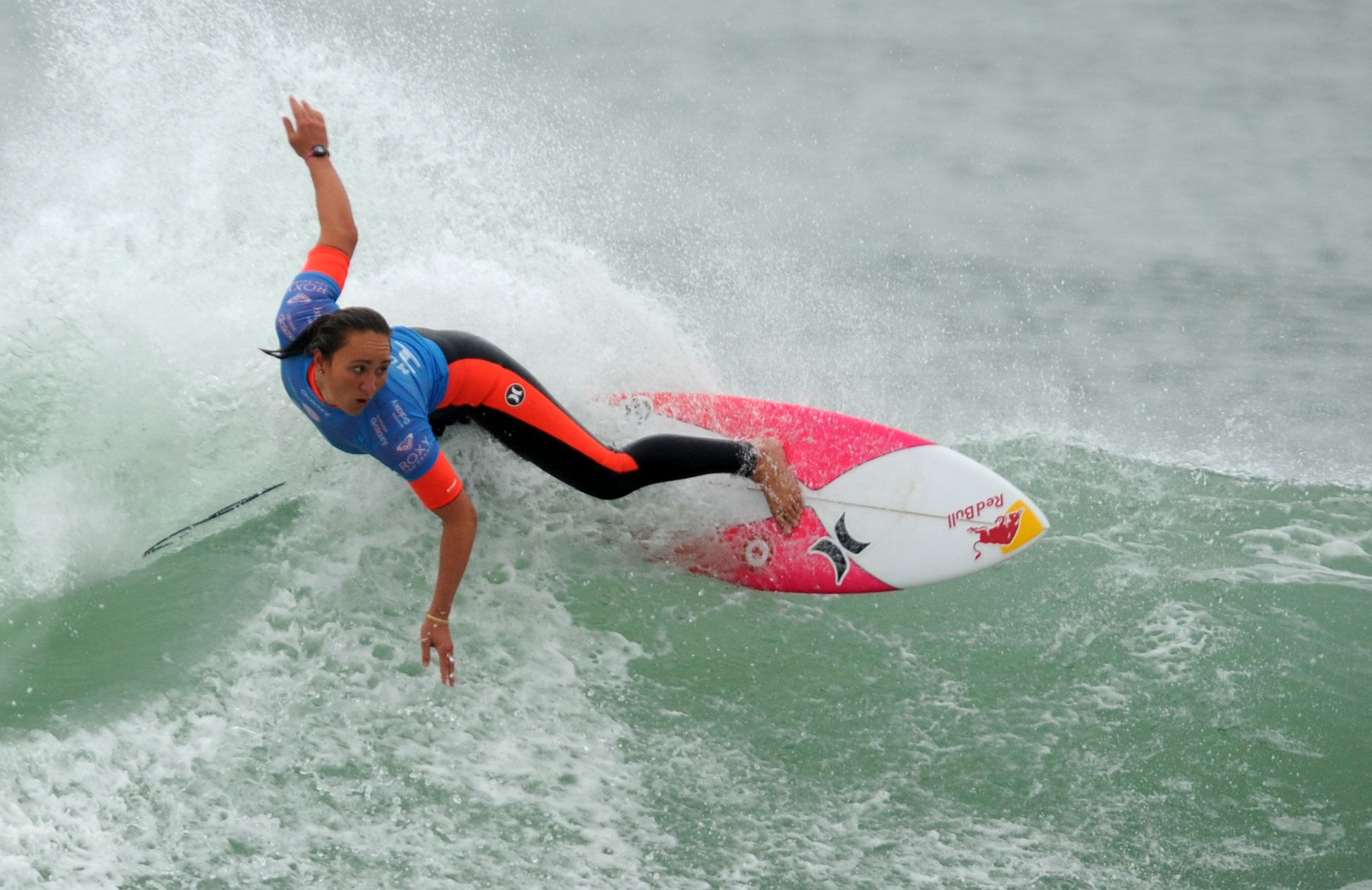 USA's Carissa Moore competes in the final of the French stage of the World Surf League in Hossegor, on October 12, 2016.  / AFP / Gaizka IROZ        (Photo credit should read GAIZKA IROZ/AFP/Getty Images)