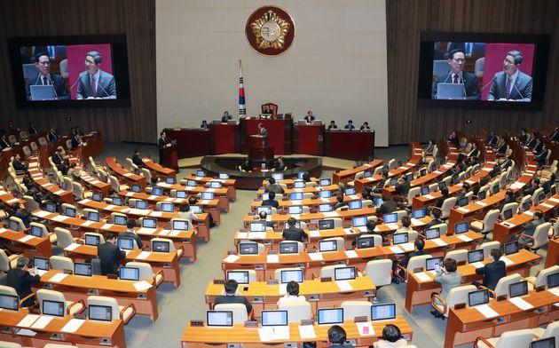 10만원 아동수당 너덜너덜하게 만든 야당과 여당 국회처리 합작과정
