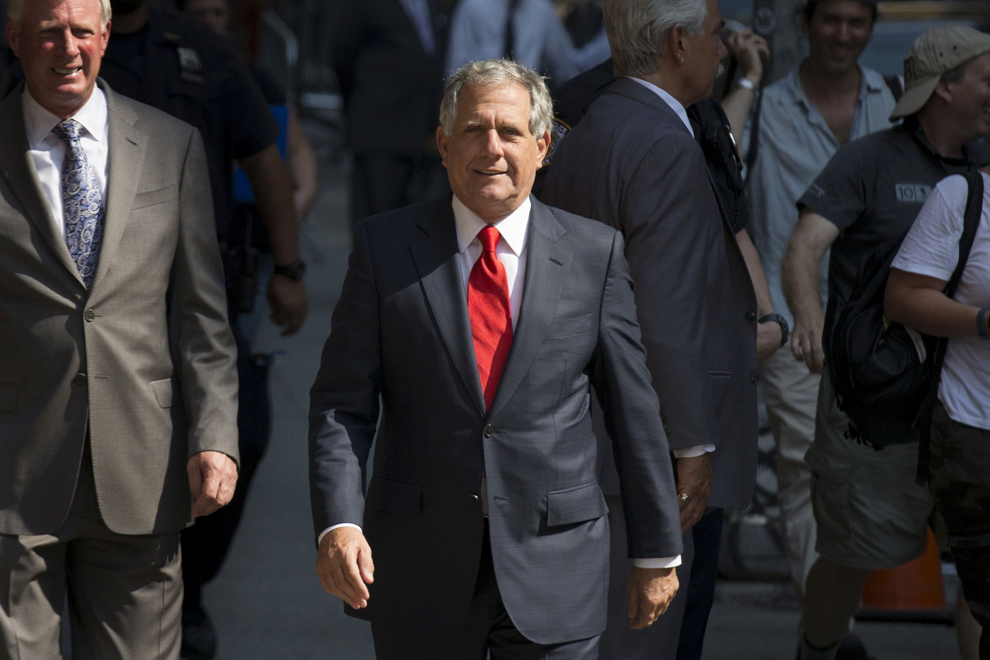 "CBS chairman Les Moonves arrives for ""The Late Show with Stephen Colbert"" at the Ed Sullivan Theater in Manhattan, New York, September 8, 2015. Stephen Colbert makes his ""Late Show"" debut on Tuesday with a mix of Hollywood glamour and presidential campaign politics with guests George Clooney and Republican White House contender Jeb Bush.  REUTERS/Brendan McDermid"
