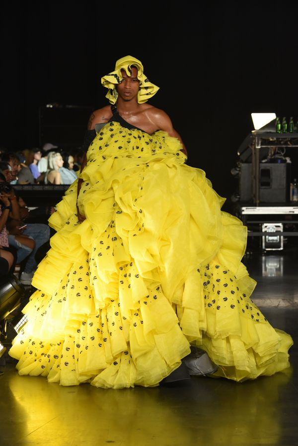 This show-stopping yellow number had all the heads turning.