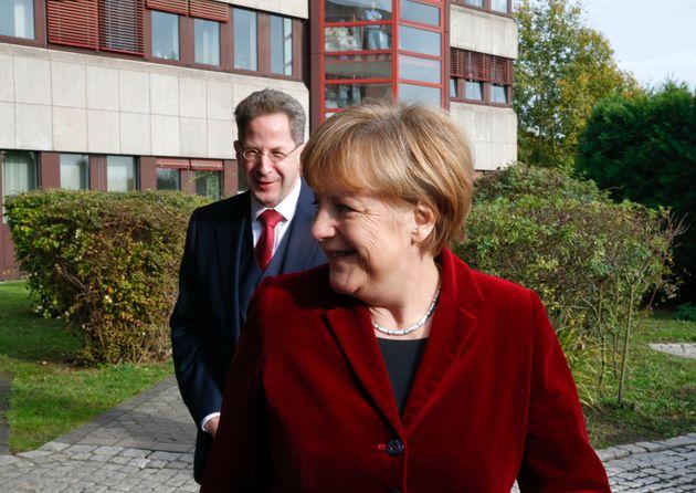 Maaßen, Seehofer, Merkel: Die Schlacht um ein