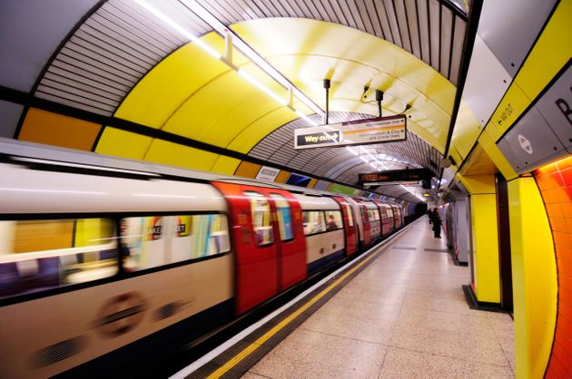 A tube train on the Jubilee line departing a platform at Baker Street Underground Station (file