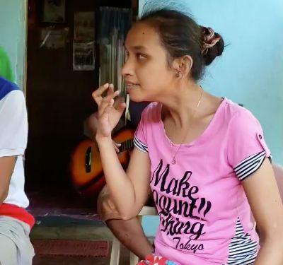 Blindes Mädchen, das kein Englisch kann, singt auf einmal Whitney Houston