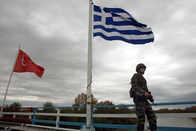 Στην Τουρκία επέστρεψαν οι δύο Τούρκοι στρατιωτικοί που εντοπίστηκαν στον