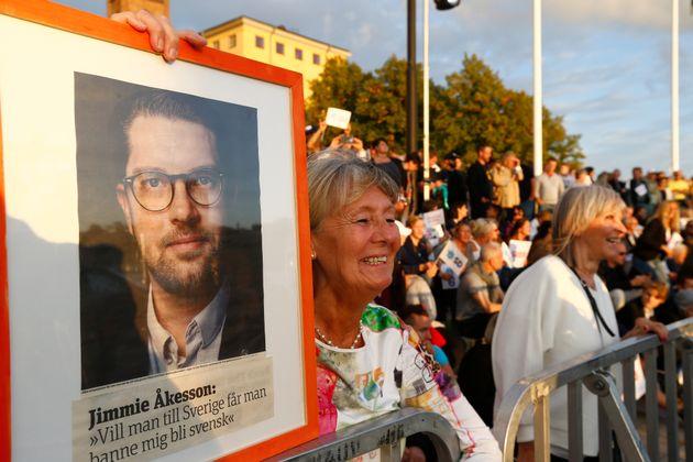 선거 연설 집회에 참석한 스웨덴민주당 지지자들의 모습. 2018년 9월8일,