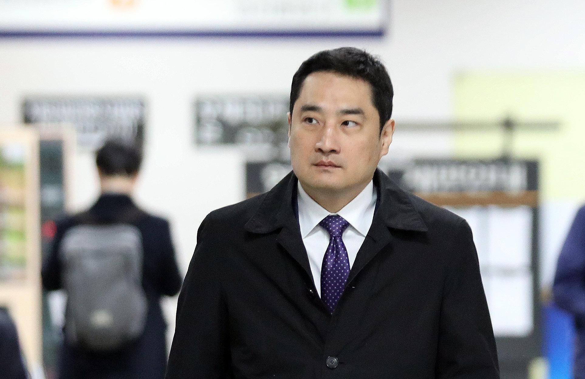 '도도맘과 짜고 사문서 위조' 혐의 강용석이 2년 구형받고 한 최후진술