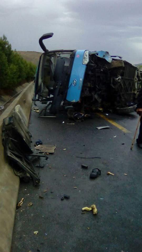 Aïn Defla: 5 morts et 18 blessés dans le renversement d'un bus sur