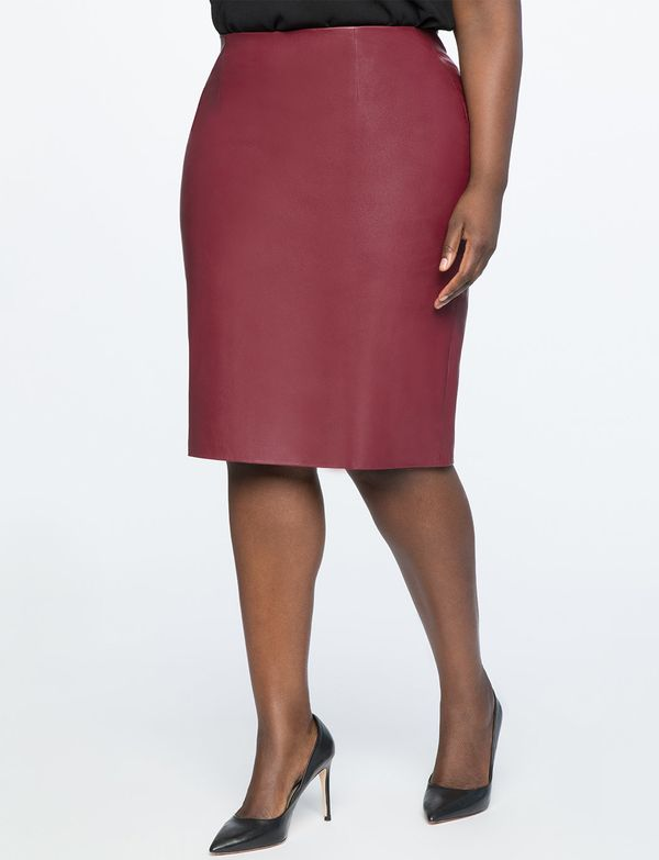 """<strong>Sizes</strong>: 14 to 28<br>Get it <a href=""""https://www.eloquii.com/studio-faux-leather-pencil-skirt/1200819.html?dwv"""