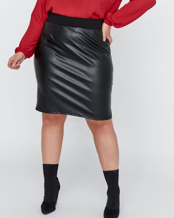 """<strong>Sizes</strong>: 12 to 26<br>Get it <a href=""""https://www.additionelle.com/en-us/mix-media-pencil-skirt---michel-studio"""
