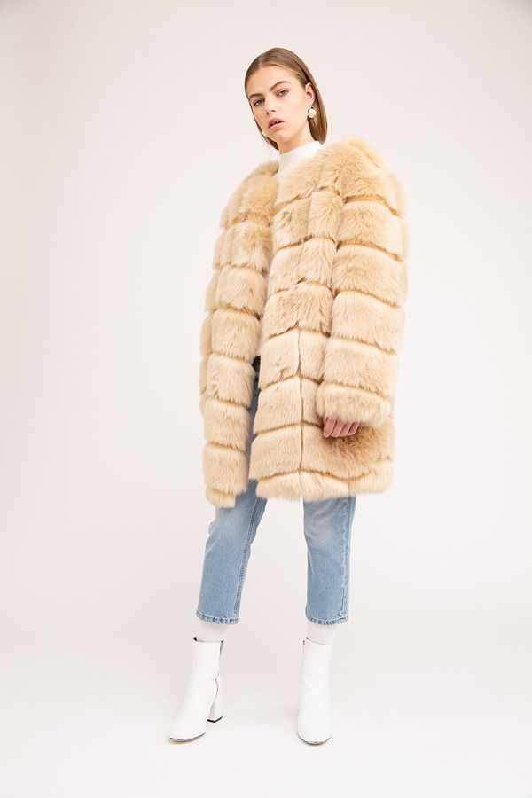 <strong>Jakke Chloe casaco de pele falsa loira, $ 283.10</stron