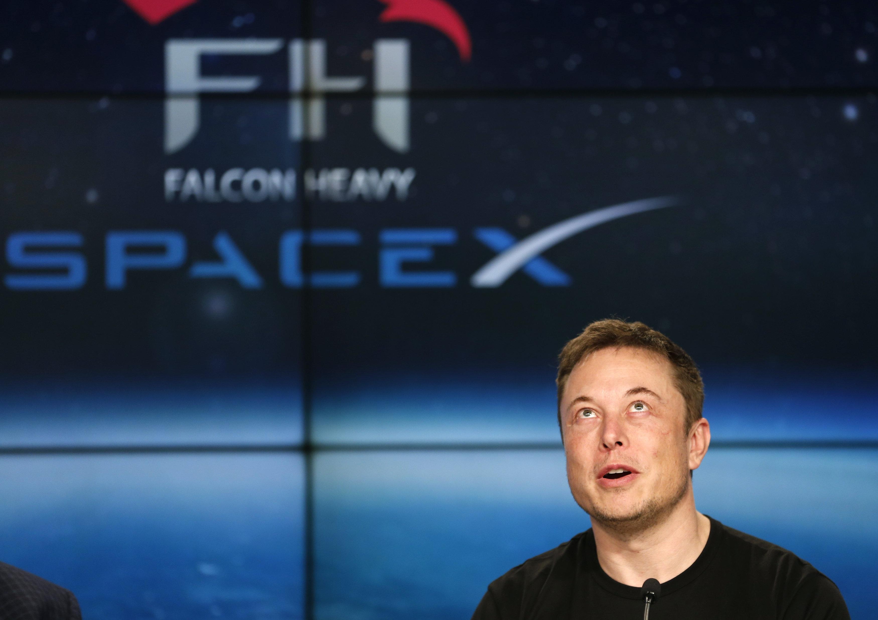 SpaceX President Calls Elon Musk 'A Brilliant Man,' Despite Bizarre
