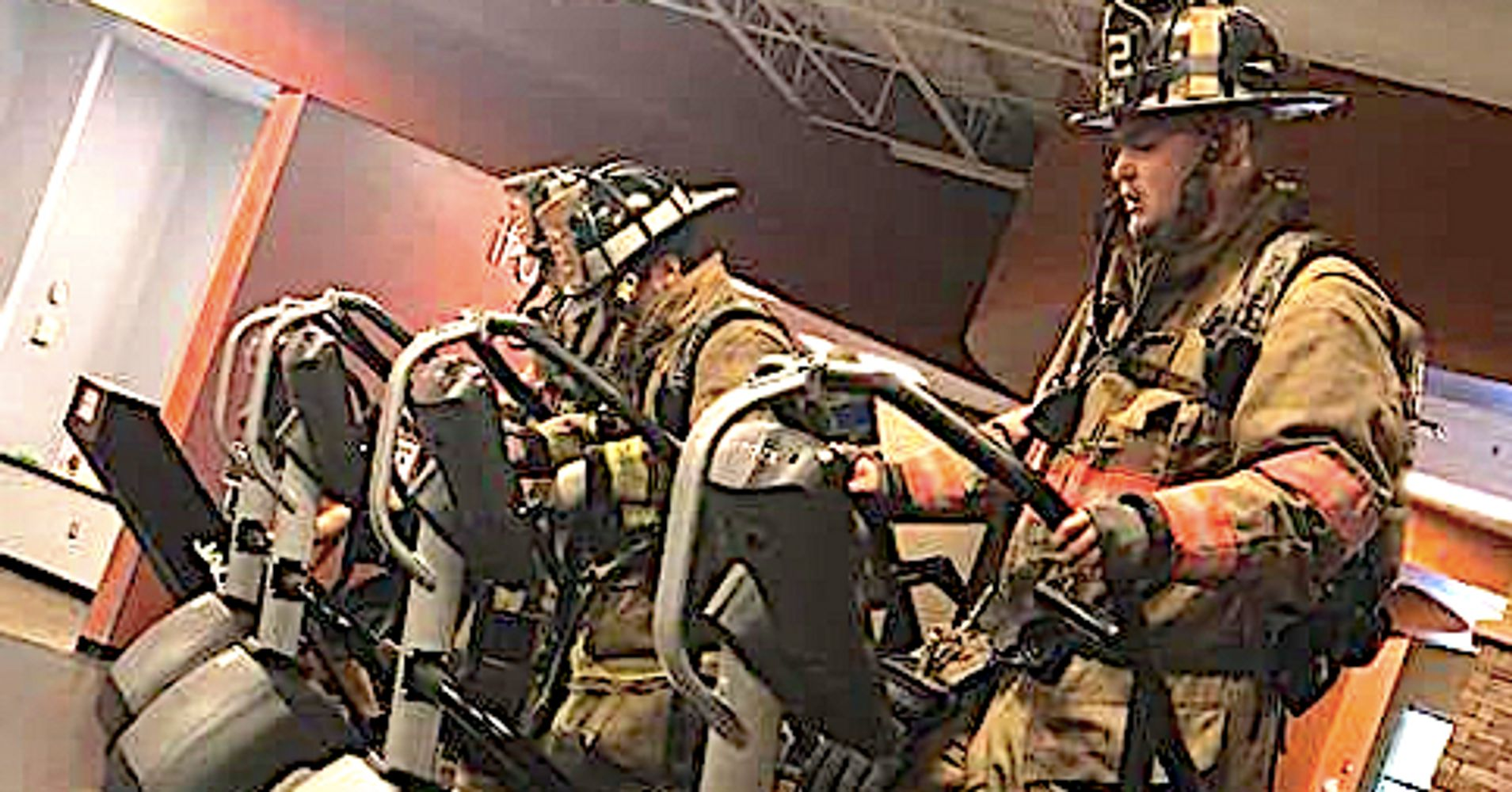 Firefighters Pay Tribute To 9 11 Heroes By Climbing 110
