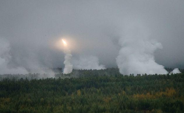 Παιχνίδια Πολέμου: Ανησυχία στη Δύση για τη μεγάλη ρωσική στρατιωτική άσκηση στα σύνορα με την