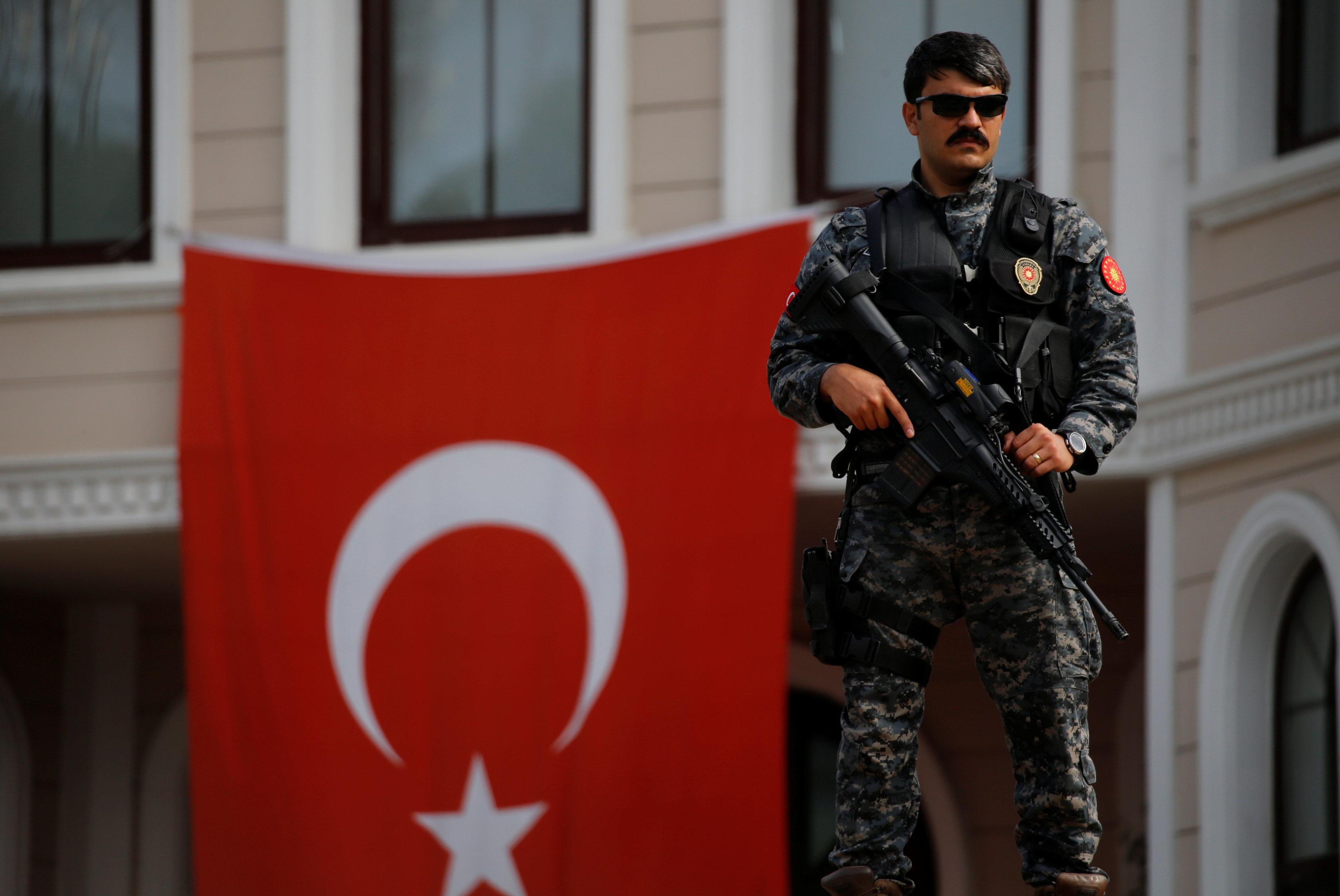 Σύλληψη αυστριακού δημοσιογράφου στην Τουρκία για «πράξη που συνδέεται με την