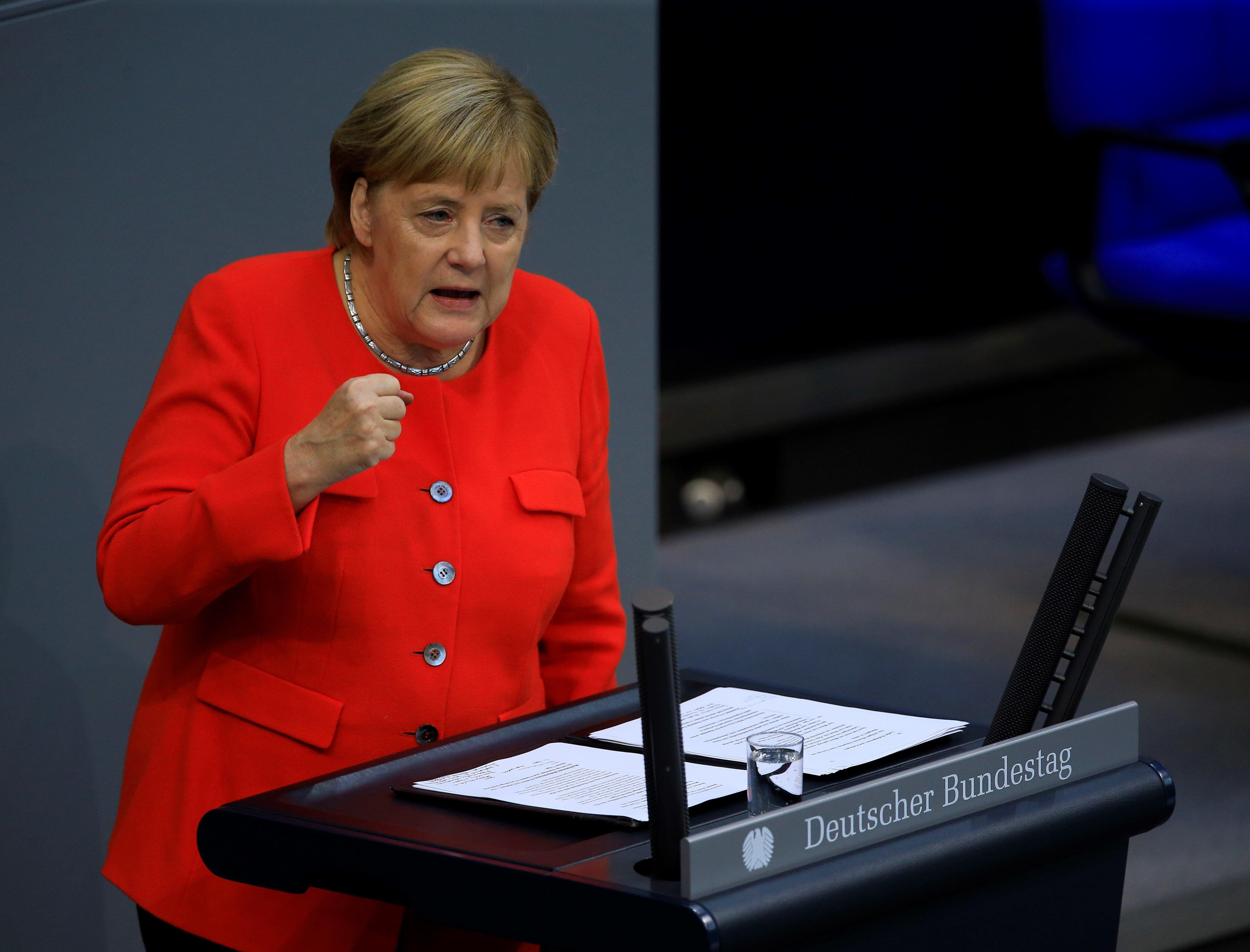 Merkel bei Generaldebatte im Bundestag: Kanzlerin will Bürger stärker