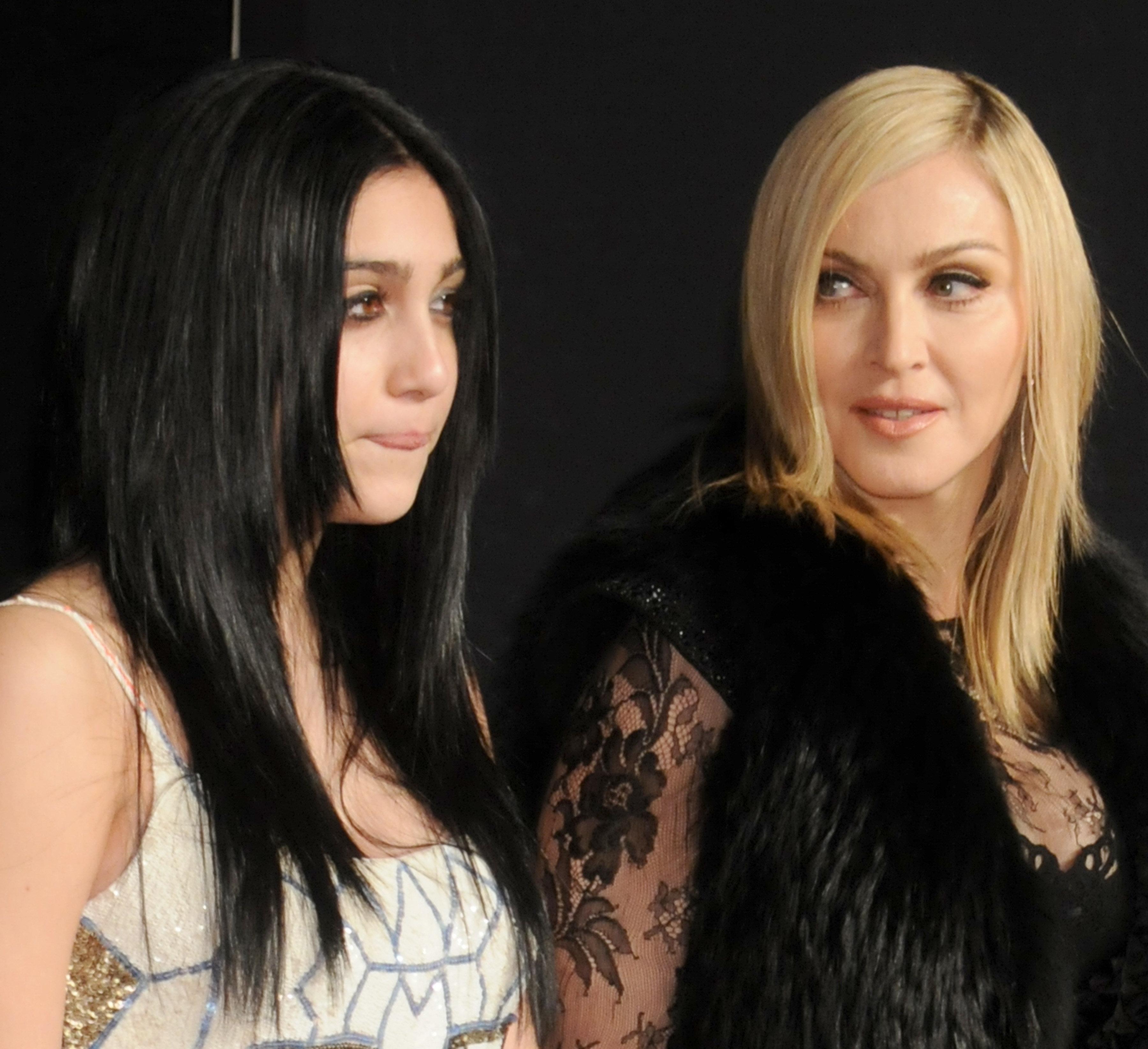 Les images de la fille de Madonna défilant pour la première fois à la Fashion Week de New