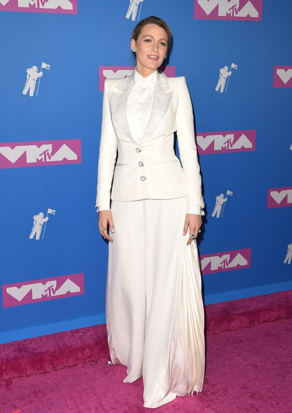 She then walked the red carpet at the award show in a conservative Ralph & Russo couture suit with extra-wide pants.