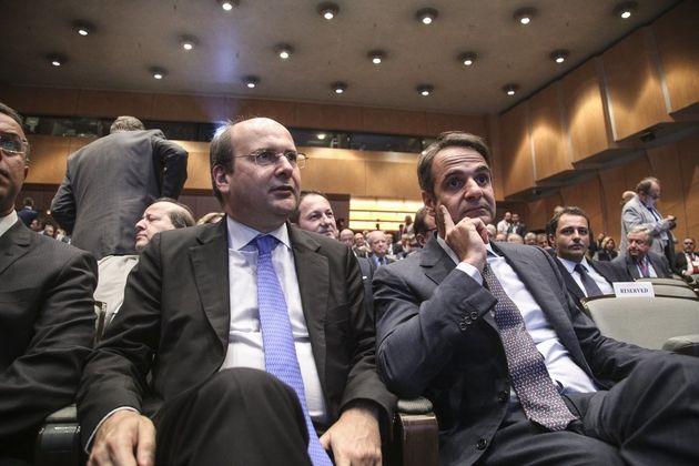 Μαξίμου: Η ΝΔ θέλει να απολύσει 120.000 συμβασιούχους του