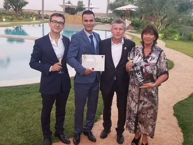 Abdelghafour Sadik, le meilleur sommelier du Maroc 2018 Trophée Château Roslane, entouré...